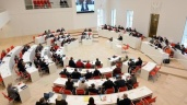 Brandenburgischer Landtag. Das Portal ermöglicht Kontakt zu den Abgeordenten. Foto: R. Hirschberger/Archiv (Quelle: dpa)
