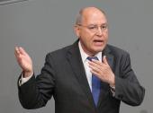 Gregor Gysi, Oppositionsführer im Bundestag, mischt auch in Potsdam mit. Foto: dpa